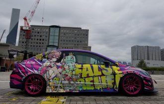 <東京モーターショー>ワイドボディスタイルのFD2ユーザー様、オープンロードにて展示中。